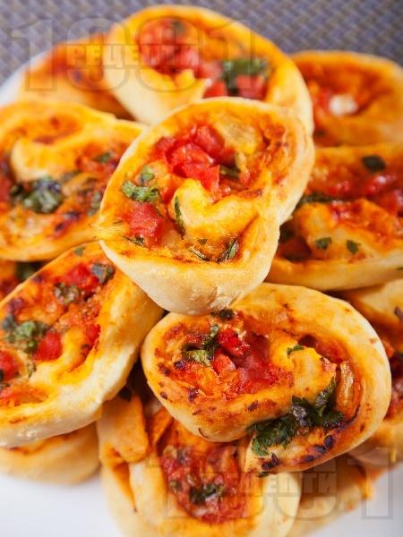 Парти рулца с шунка и ананас - снимка на рецептата